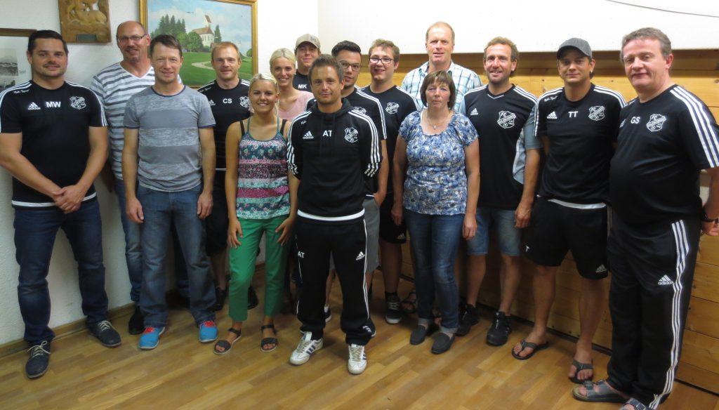 Vorstand FC Sulzschneid:Von links Markus Waldvogel (1. Vorstand), Klaus Rohde (Technischer Leiter NEU), Markus Settele (2. Vorstand), Christian Steger (1. Kassier), Julia Strobel (Schriftführerin), Katharina Kelz (Abteilungsleiterin Korbball NEU), Markus Kümmerle ( 2. Beisitzer), Andreas Teibtner (1. Beisitzer), Kevin Settele (1. Jugendleiter NEU), Matthias Schmid (2. Abteilungsleiter Fußball NEU), Luise Baur (Abteilungsleiterin Gymnastik), Johannes Heim (2. Jugendleiter NEU), Benedikt Settele (1. Platzwart), Thomas Teibtner (2. Platzwart), Gerhard Schmid (1. Abteilungsleiter Fußball)